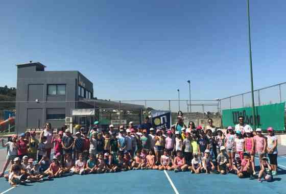 Σου αρέσει το τένις ? Αγαπάς τον αθλητισμό? Τότε επέλεξε τους καλύτερους για να στο διδάξουν! Η νέα σεζόν ξεκινάει!